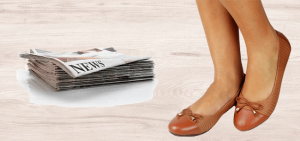 Laceando calçado de couro com jornal